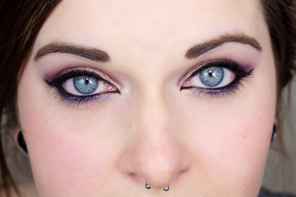 Mlle mademoiselle nostalgeek blog beauté beauty fotd maquillage sleek palette arrabian nights makeup yeux bleus