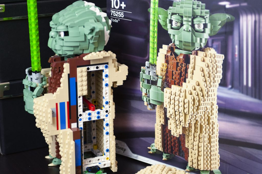 blog geek revue de set Lego Star Wars Yoda 75255 corps monté sur châssis Technic